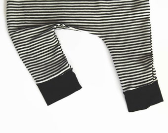 Baby Hipster Clothes, Baby Harem Pants, Hipster Baby, Baby Harems, Trendy Baby, Baby Leggings, Baby Clothes, Striped Pants, Toddler Clothes