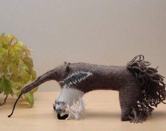 Knitted Giant Anteater - Woollen Anteater - Knitted Wildlife - Mini Giant Anteater Model - Knitted wild animal - Knitted anteater ornament