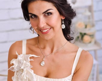 Bridal tiara headband Wedding hairpiece Glass beaded bridesmaid headpiece Rustic wedding halo White crystal tiara Bidesmaid gift for her