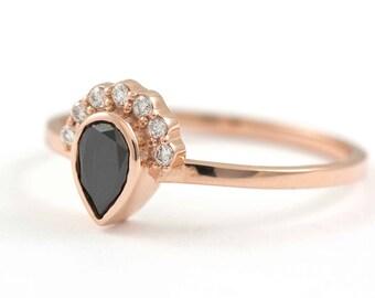 Black Diamond Engagement Ring, Crown Engagement Ring, Rose Gold Diamond Ring, Black Pear Diamond, Pear Engagement Ring, Halo Ring, GR0447