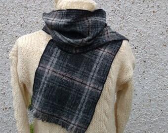 Irish tweed wool scarf - 100% wool - gray/black/beige tartan plaid check - ready for shipping - HANDMADE IN IRELAND