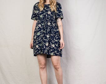 AMAZING Vintage Short Sleeve Navy Floral Dress / S / hipster dress festival dress flower girl boho dress bohemian summer dress raw hem