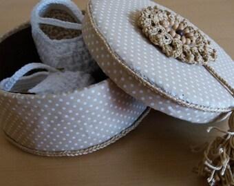 Pregnancy Announcement,crochet baby shoes, Maternity surprise