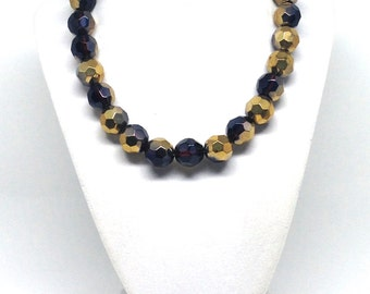 Gorgeous Single Strand Gold Tone Glass Beaded Estate Necklace