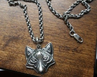 Solid Silver Sterling 925 FOX Viking Totem with Solid Silver Sterling 925 CHAIN Round Ethnic