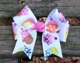 Cupcake Hair bow (3 inch).