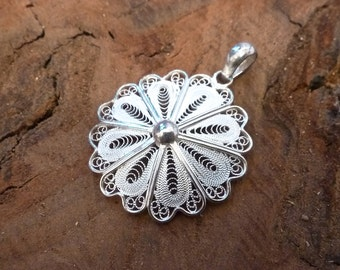 Sterling Silver Filigree Floral Pendant/925 Silver Filigree Pendant/Round Pendant/Sterling Silver Pendant/Circle Pendant/Round Pendant