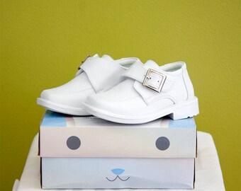 Infant Baby Boys' Dressy White Shoes with Velcro Buckle Strap/ Zapato Para Bebe Blanco Para Bautizo