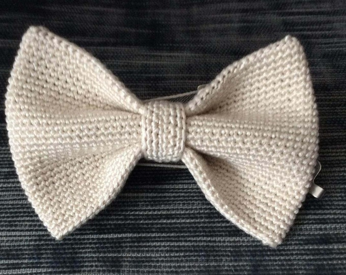 crochet fly / fly knit / crochet bowtie / made of 100% silk, ivory, white