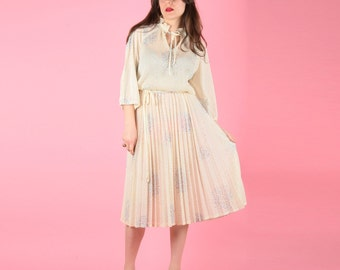 Elegant Late 70s Cream Pleated Fairy Bread Dress