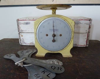 charming rare yellow persinware kitchen scales / made in australia /rustic / vintage kitchen scales / farmhouse/ vintage kitchen / primitive