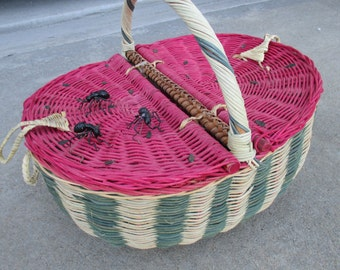 """Picnic set Everything Watermelon Picnic Basket, Napkins, 106 X 52 Tablecloth, Everything you would need. Yes even """"Ants"""""""
