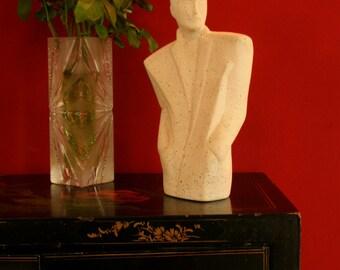 1980 statuette platre inspirée de Lindsey B. / Motif de style Sottsass