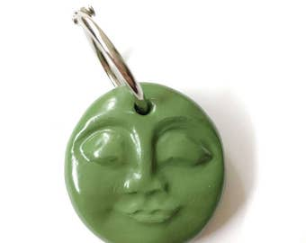GORBY GREEN moon face keyring