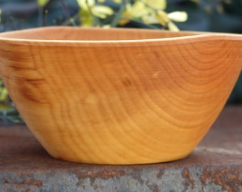 Silver Birch wood Bowl - Food Safe, Traditional & Sustainable - Green Turned from Locally Sourced Timber - Hand Made in Wales - Walnut Oil