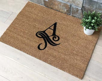 Monogrammed Gift / Personalized Doormat / Housewarming Gift / Gift for Friend / Unique Gift Ideas / New Home Gift / Family Gift Ideas