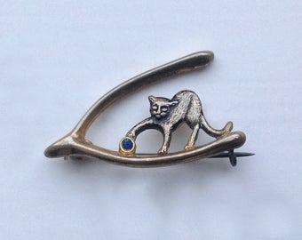 A rare 1950s charming little Wishbone Cat Brooch/Pin