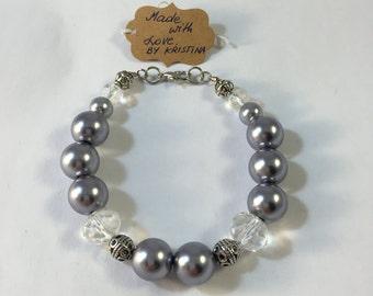 Handmade Beaded Bracelet / Grey