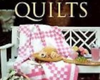 Living With Quilts by Phyllis George