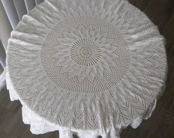Round knitted tablecloth 31.5in