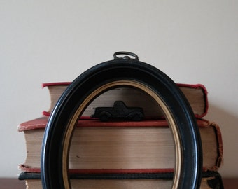 Oval Frame - Black and Gold  - Shabby Chic - Vintage - Rustic - Fixer Upper - Home Decor - Circular - Wall Gallery - DIY - Living Room