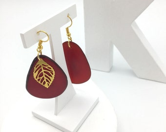 Gold tone and acais seed earrings