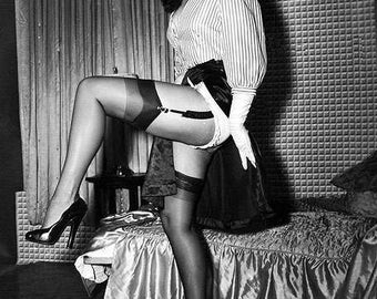 BETTIE PAGE PHOTO #11