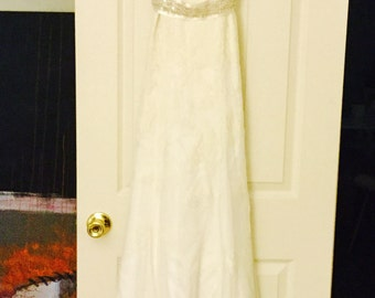 Wedding Dress with Lace Shoulders  and Keyhole Back