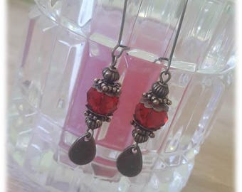 Red faceted donuts earrings and drops bronze mounted on bronze metal sleepers
