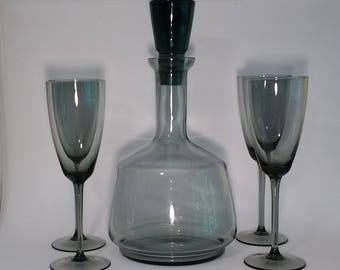 1970s Decanter and Liquor Glasses
