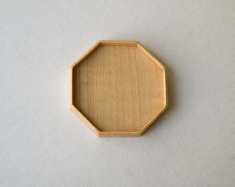 Large LIGHT octagonal tray setting finished - Sailors Valentine - Maple - 50 mm cavity diam. - (F85-Mp)