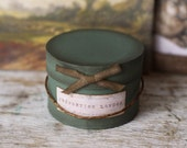 Dolls House Miniature Vintage Hat Box in Green 12th scale