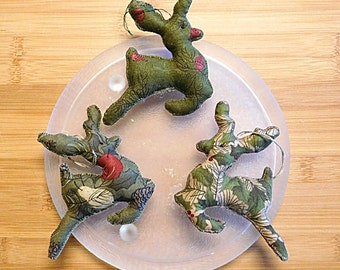 Christmas Reindeer Ornaments, Primitive Bowl Fillers, Holiday Decorations