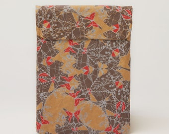 Scarlet and Frost iPad & Tablet Paper Sleeve