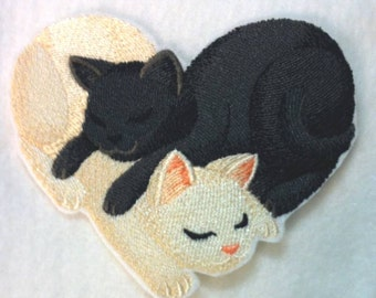 Cute Cute Cute!  Snuggling Cat Heart embroidered Iron on Patch - Applique -  3 sizes - FREE SHIPPING