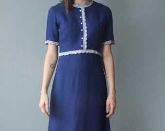blue linen dress | 60s lace trimmed dress | small