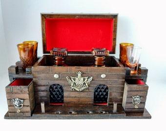 Wood Castle Barware Decanter 2 Bottles and Shot Glasses Amber Diamond Glass Vintage Wood Box Bar S Spur Bijou 1970