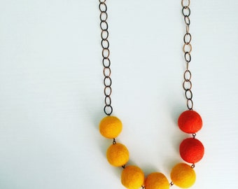Montrose Felt Necklace in Tangerine / Dark Orange, Color Blocking, Statement Necklace, Bright Jewelry, Necklace for Wife,  Beaded Necklace