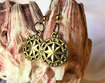 RICHARME Single Compass Star Dangle Earrings