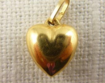 Vintage 14K Tiny Puffy Heart Charm