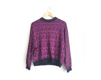 SALE // Size L/XL // PAISLEY Knit Sweater // Cropped - Purple & Black - Patterned - Oversized Pullover - Vintage '80s.