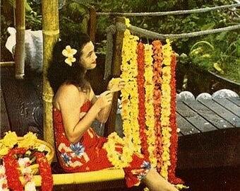 Vintage Hawaii Postcard - The Lei Maker (Unused)