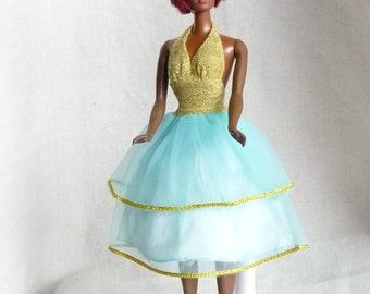 Barbie rare vhtf Best Buy #9582, gold turquoise halter party dress, 1976 superstar!
