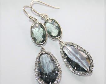 Gray Bridal Earring,Romantic Spring Weddings,Gray Crystal Earrings,Charcoal earrings,Teardrops,Statement Dangle Earrings,Wedding Jewelry