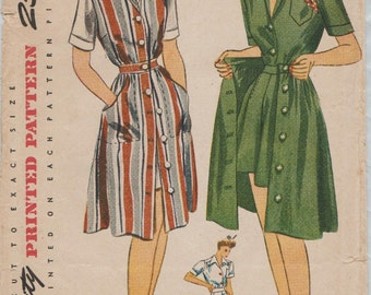 Simplicity 4643 / Vintage 40s Sewing Pattern / Skirt Shirt Blouse Shorts Jumper / Size 16 Bust 34