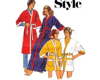 70s Womens Wrap Robe Pattern Style 1722 Sleepwear Loungewear Kimono Vintage Sewing Pattern Size Medium 12 - 14 or Large 16 - 18
