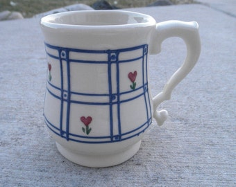Vintage 1980s Hartstone Heart Flowers in WindowPane Mug