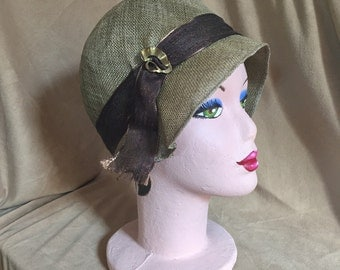 Vintage 20's Style Hat, Taupe Straw Cloche with Ribbon Accent, Size Small