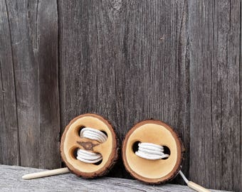 2 piece set of Wooden lacing toy, Montessori practical life, Button lacing toy, Toddler gift, Waldorf toy, Natural toy