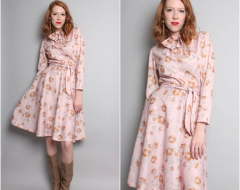 1970's Blush Pink  Dress / 70's A Line Dress / Flare Dress / Long Sleeve / Floral / Large